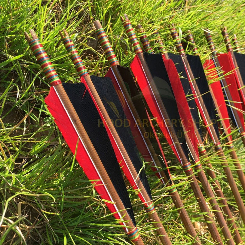 Resim Medieval Bamboo Wooden Traditional Hunting Archery Arrow For Recurve Longbow Bow Shoot with Red Black Turkey Feather Hunger Games