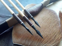Picture of Wooden Archery Arrow For Recurve Bow Longbow Horsebow for Horseback Archery Batur Castle Nocks with Blue Black Turkey Feather