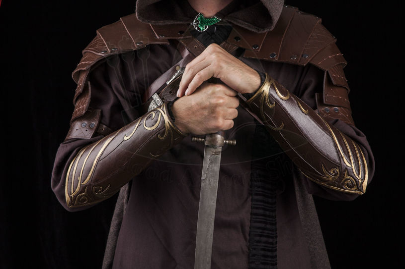 Picture of Legolas Elven Bracers Lord of the rings cosplay leather bracers vambrace