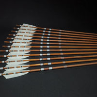 Wooden Barrelled Crested Arrows Archery Personalized Arrow For Recurve Bow Longbow Medieval Traditional Ottoman Hunting Shoot with White Turkey Feather. ürün görseli