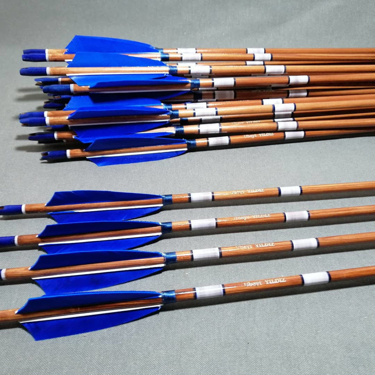 Picture of Wooden Barrelled Crested Arrows Archery Personalized Arrow For Recurve Bow Longbow Medieval Traditional Ottoman Hunting Shoot with Blue  Turkey Feather